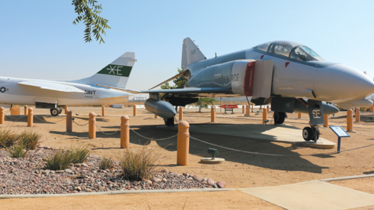 Aircraft Joe Davies Heritage Airpark, Edwards Air Force Base Antelope Valley and Local Area Attractions